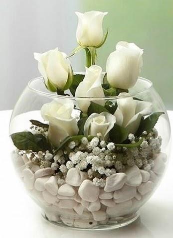 Beyaz Mutluluk 9 beyaz gül fanusta  Türkiye çiçekçi telefonları