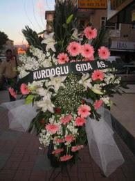 kazablanka,gerbera,sebboy ferforje  Türkiye çiçek gönderme