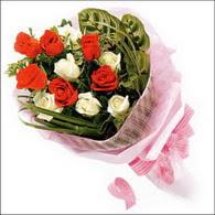 5 kirmizi 5 beyaz güllerden   Türkiye çiçekçi mağazası