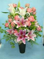 Türkiye çiçek satışı  cam vazo içerisinde 21 gül 1 kazablanka