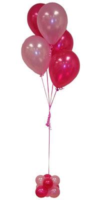 Sevdiklerinize 17 adet uçan balon demeti yollayin.  Türkiye çiçek gönderme