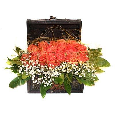 Türkiye ucuz çiçek gönder  13 adet sepet içerisinde gül