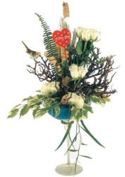 Türkiye kaliteli taze ve ucuz çiçekler  kadeh içerisinde görsel gül tanzimi