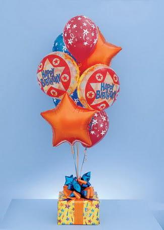 Türkiye kaliteli taze ve ucuz çiçekler  19 adet uçan balon ve küçük kutuda çikolata