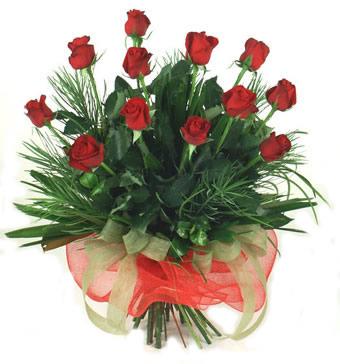 Çiçek yolla 12 adet kirmizi gül buketi  Türkiye anneler günü çiçek yolla