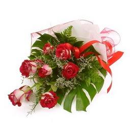 Çiçek gönder 9 adet kirmizi gül buketi  Türkiye hediye çiçek yolla