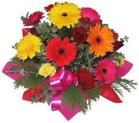 Karisik mevsim çiçeklerinden buket  Türkiye online çiçek gönderme sipariş