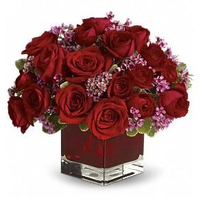 11 adet kırmızı gül vazosu  Türkiye çiçek , çiçekçi , çiçekçilik