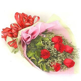 Türkiye İnternetten çiçek siparişi  6 adet kırmızı gülden buket