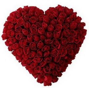 Türkiye çiçek gönderme  muhteşem kırmızı güllerden kalp çiçeği