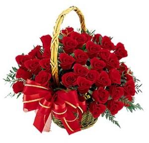Türkiye çiçek yolla  41 adet kırmızı gül sepeti aranjmanı
