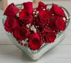 Kalp içerisinde 7 adet kırmızı gül  Türkiye online çiçekçi , çiçek siparişi