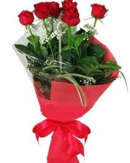 5 adet kırmızı gülden buket  Türkiye 14 şubat sevgililer günü çiçek