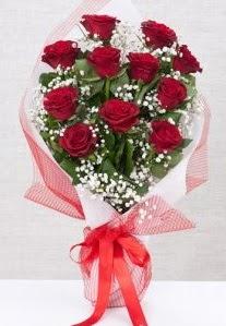 11 kırmızı gülden buket çiçeği  Türkiye internetten çiçek siparişi