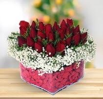 15 kırmızı gülden kalp mika çiçeği  Türkiye çiçek yolla , çiçek gönder , çiçekçi