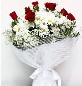 9 adet kırmızı gül ve papatyalar buketi  Türkiye ucuz çiçek gönder
