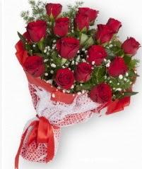 11 adet kırmızı gül buketi  Türkiye internetten çiçek satışı