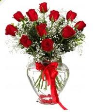 9 adet kırmızı gül cam kalpte  Türkiye çiçek online çiçek siparişi