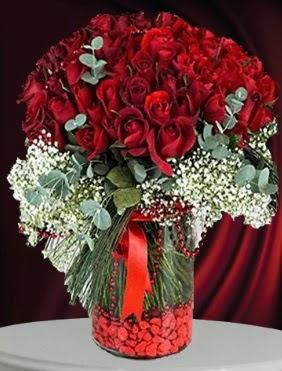 Cam vazoda 51 adet gül söz nişan çiçeği  Türkiye yurtiçi ve yurtdışı çiçek siparişi