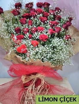 Kız isteme çiçeği buketi 33 kırmızı gülden  Türkiye çiçek satışı