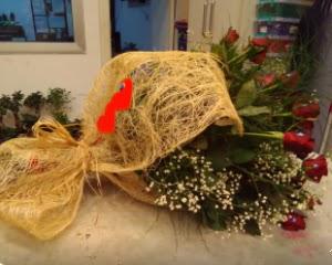 21 adet kırmızı gül kız isteme buketi  Türkiye yurtiçi ve yurtdışı çiçek siparişi