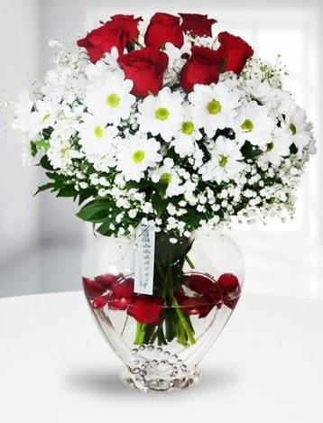 Kalp camda 7 gül kır çiçeği süper görsellik  Türkiye güvenli kaliteli hızlı çiçek