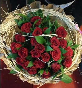 Kuş yuvalı kız isteme buketi 21 adet gül  Türkiye ucuz çiçek gönder