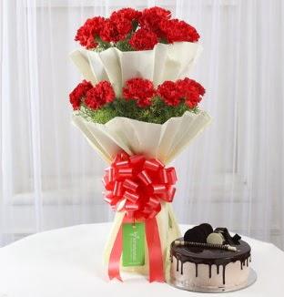 20 adet kırmızı karanfil buketi ve yaş pasta  Türkiye kaliteli taze ve ucuz çiçekler