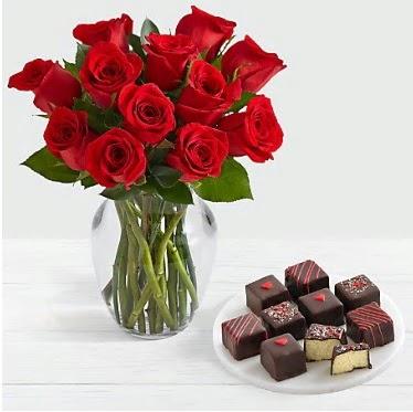 Cam vazoda 12 kırmızı gül el yapımı çikolata  Türkiye kaliteli taze ve ucuz çiçekler