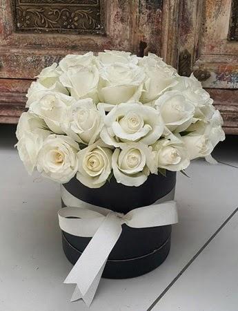 33 adet beyaz gülden görsel kutu tanzimi  Türkiye ucuz çiçek gönder