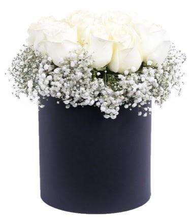 Özel kutuda özel 15 beyaz gül aranjmanı  Türkiye online çiçekçi , çiçek siparişi